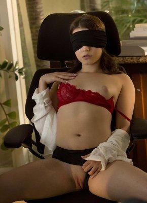 Blindfolded Babes